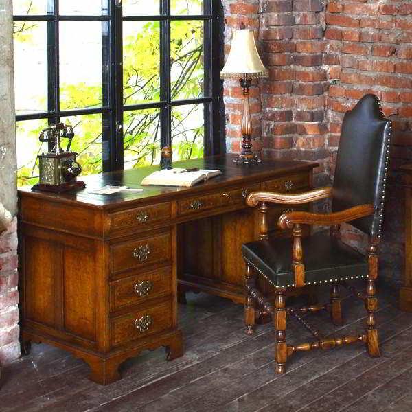 Desks & Writing Tables