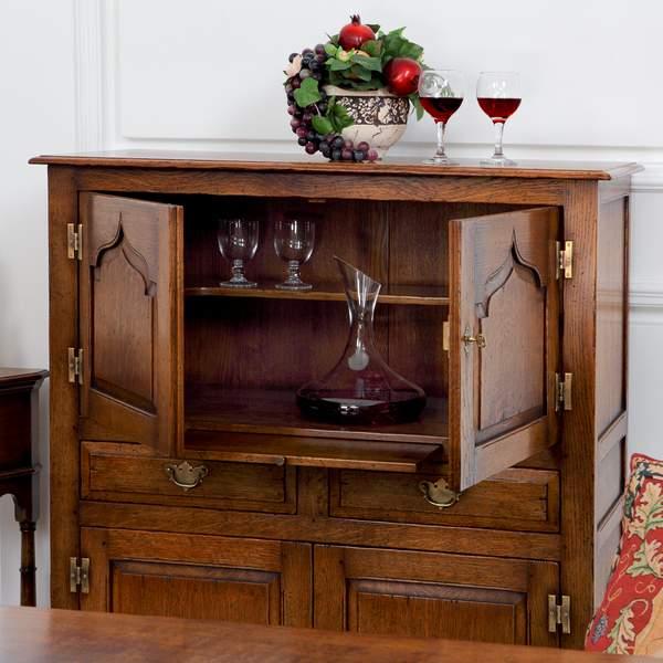 Display & Wine Cabinets